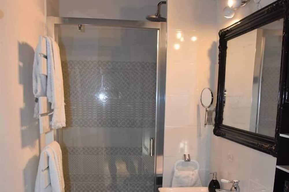 ห้องสวีท, 2 ห้องนอน - ห้องน้ำ