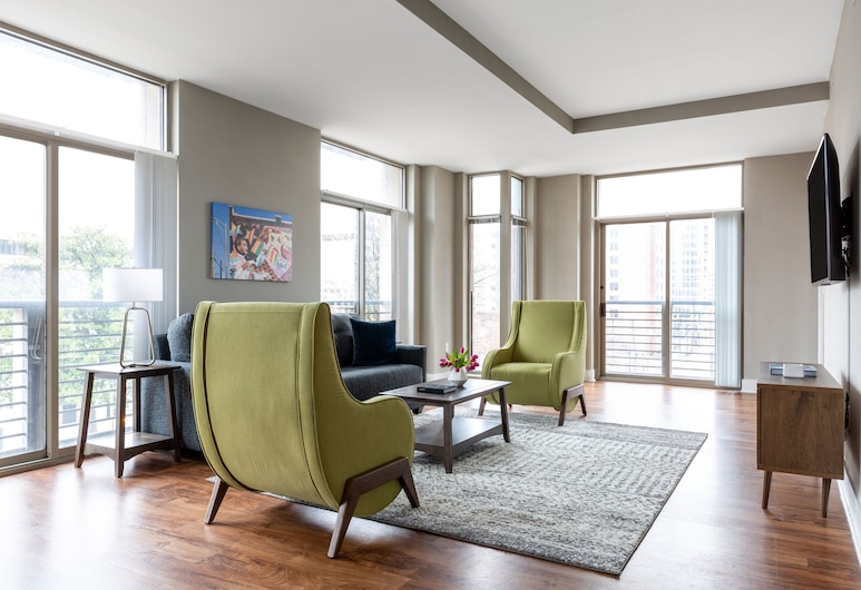 Stay Alfred at Dwell ATL, Atlanta, Standard Apartment, 2 Bedrooms, Living Area