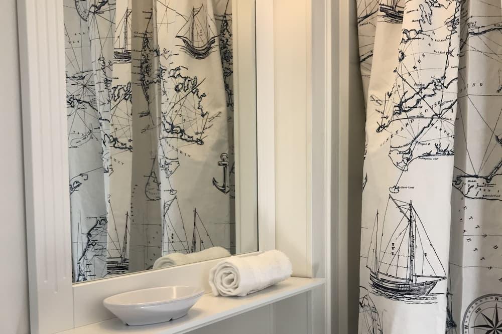 Bay View Suite - Bathroom