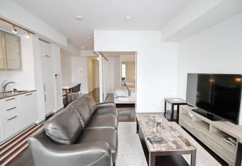 Exquisite High-Rise 1 Bedroom next to Scotia Arena, Toronto