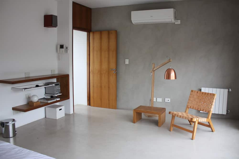 Luxury House, Multiple Beds, Smoking, Terrace - Living Area