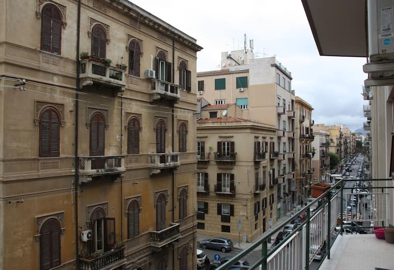 Al Politeama House, Palermo, Exteriör