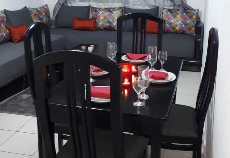 Cheap Luxury Apart  In Tangier With Wifi, Танжир, Апартаменти, 3 спальні, Вітальня