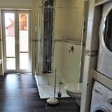 Külaliskorter, omaette vannitoaga, vaade aeda (Bootsmann) - Vannituba