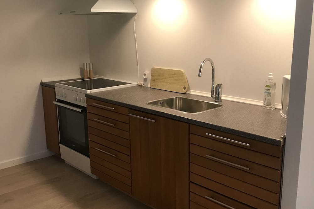 Apartment, Non Smoking, Partial Lake View (Anneks 1) - In-Room Dining