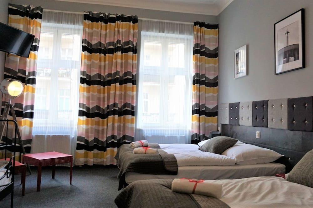 Premium-Vierbettzimmer, Mehrere Betten, Stadtblick (17,27,37) - Wohnbereich