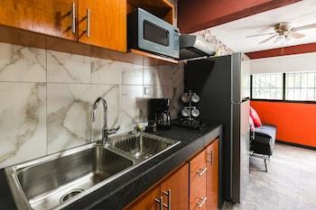 תמונה של Suite Studio Serviced Apartments במרידה