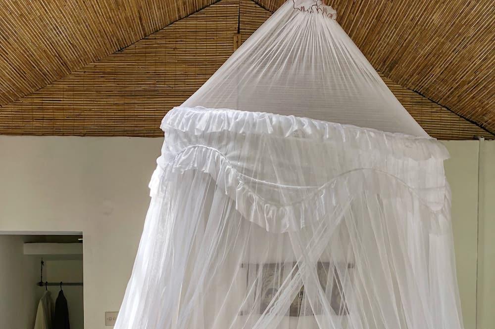 Elite Cabin, Garden View - Living Room