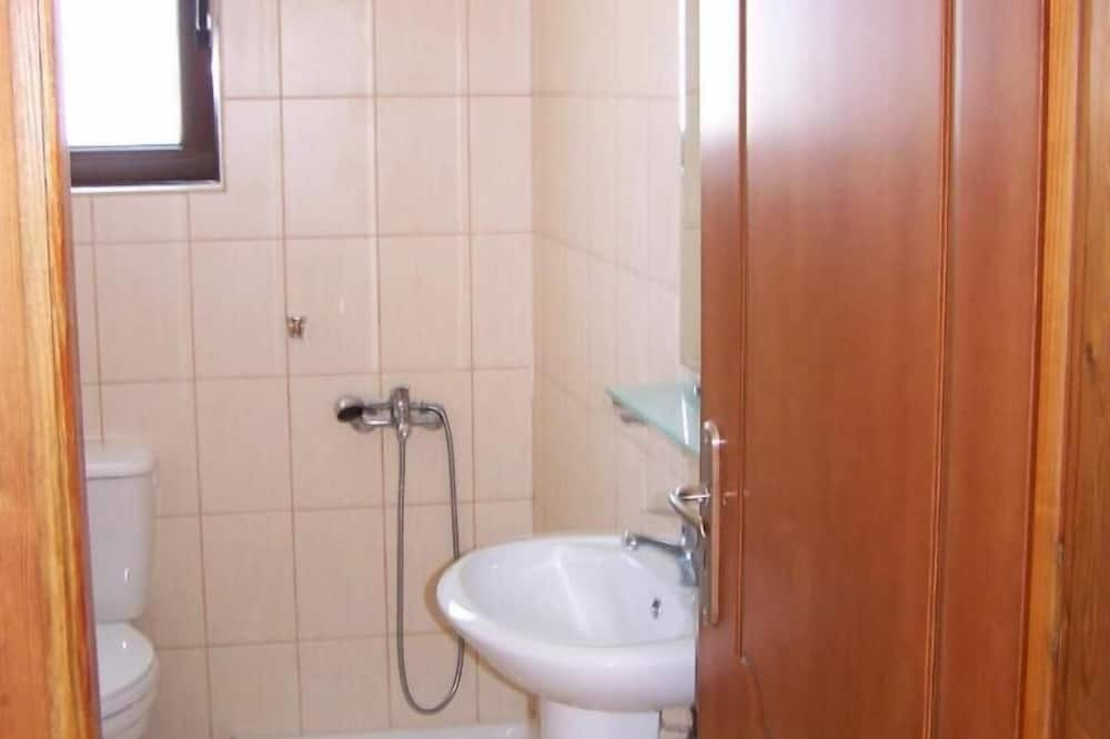apartman, 1 hálószobával - Mosdó a fürdőszobában