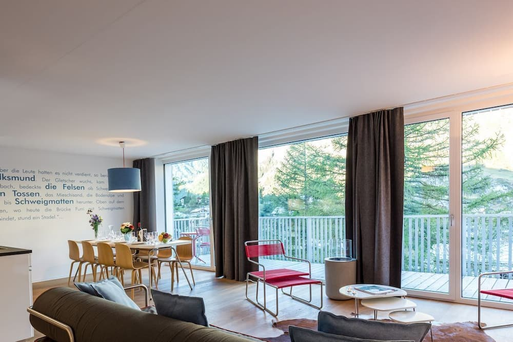 12 Gorgnergletscher - Living Area