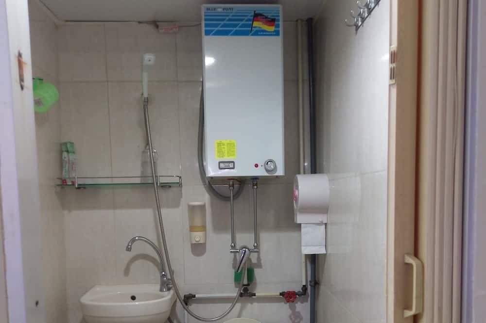 Economy Double Room - Bathroom Shower