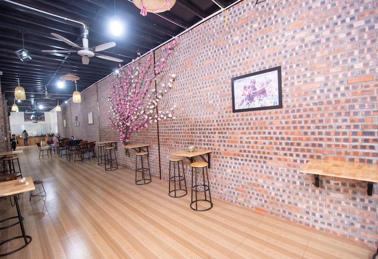 Moc May Homestay Ha Giang - Hostel, Ha Giang, Sitteområde i lobbyen