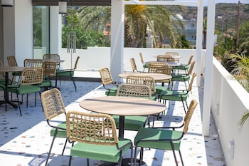Gambar Mazoren Art Hotel di Rhodes