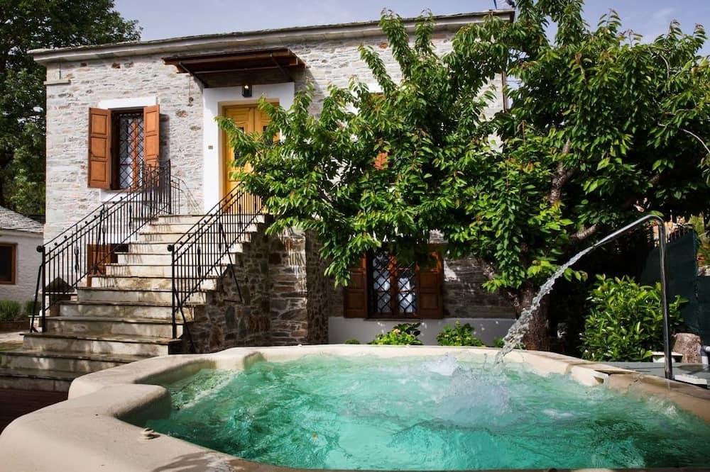 Villa, 3 Bedrooms (Villa Erifili) - Private spa tub