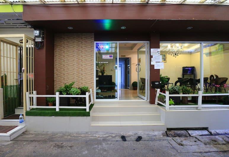 Bann Bunga, Bangkok, Hotel Entrance