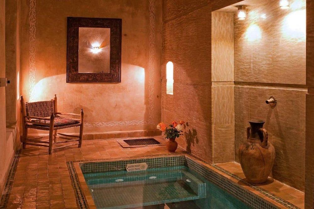 Traditional Σπίτι, 5 Υπνοδωμάτια, Μη Καπνιστών - Ιδιωτική μπανιέρα υδρομασάζ