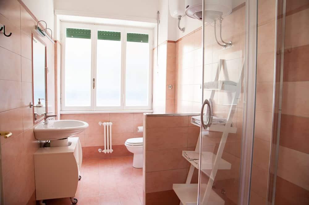 トリプルルーム エンスイート - バスルーム