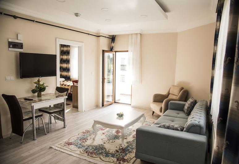 Nazar Suite Apart, טראבזון, סוויטת קומפורט, מספר מיטות, ללא עישון, נוף חלקי לים, אזור מגורים