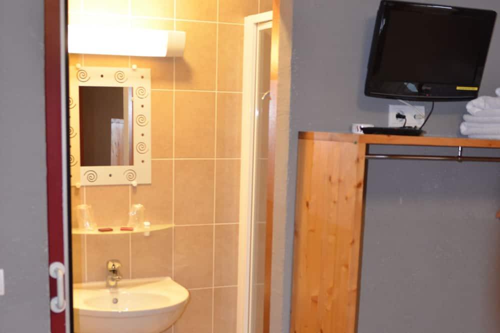 ห้องซูพีเรีย, เตียงใหญ่ 1 เตียง, ปลอดบุหรี่, วิวแม่น้ำ - ห้องน้ำ