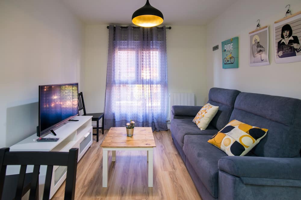 Apartment, 2 Bedrooms, Non Smoking (Albeitar) - Living Room