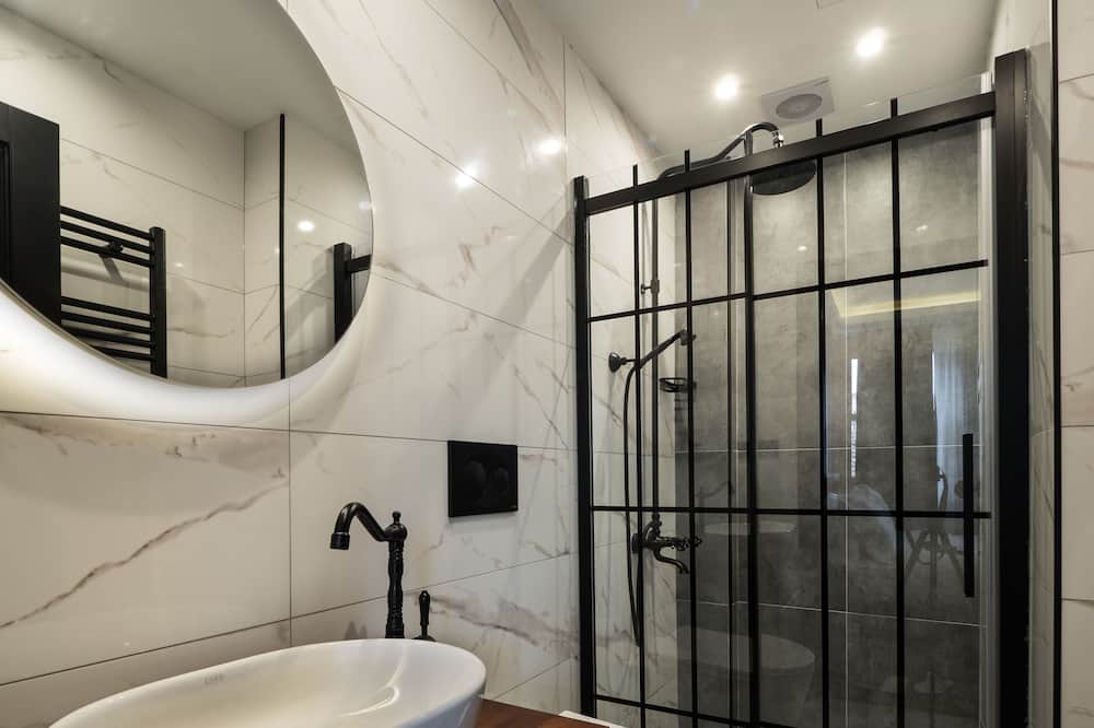 Двомісний номер категорії «Комфорт» (The Yellow Room) - Ванна кімната