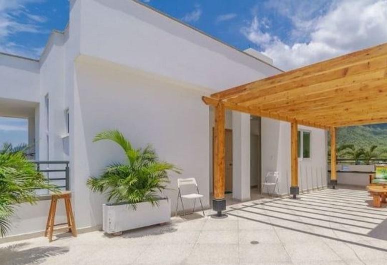 Villa Toscana Hotel, Santa Marta, Terasz/udvar