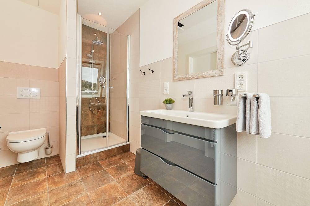 Exclusive-Doppelzimmer, eigenes Bad (Mosel-Loft) - Badezimmer