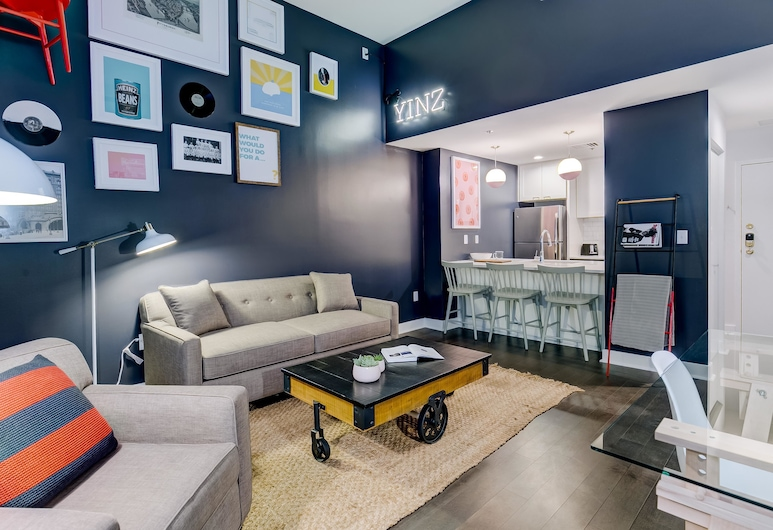 LYRIC | Pittsburgh Boutique Suites, Pittsburgh, Loft, 1 Bedroom, Living Room