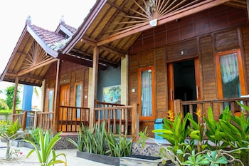 Picture of Medal Jaya Hostel & Room in Lembongan Island