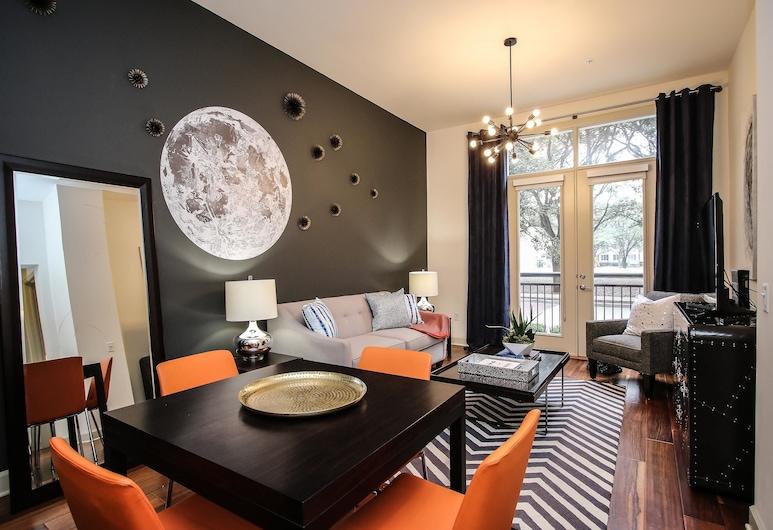 Impressive 1br/1ba Suite Near Galleria and Waterwall, Houston, Room