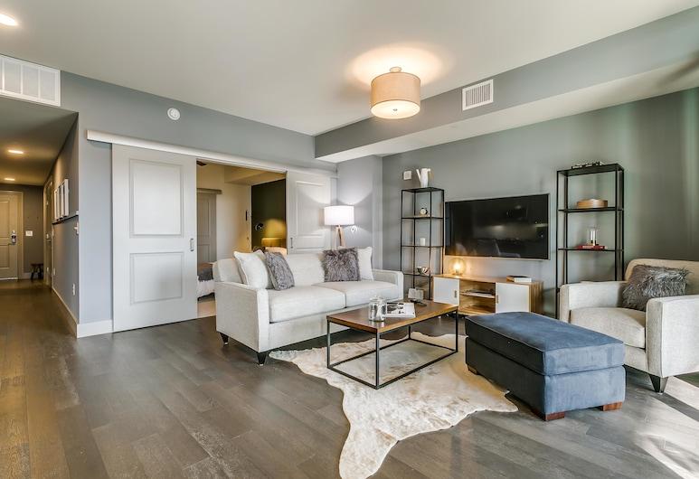 2370 Victory Boutique Apartments, Dallas