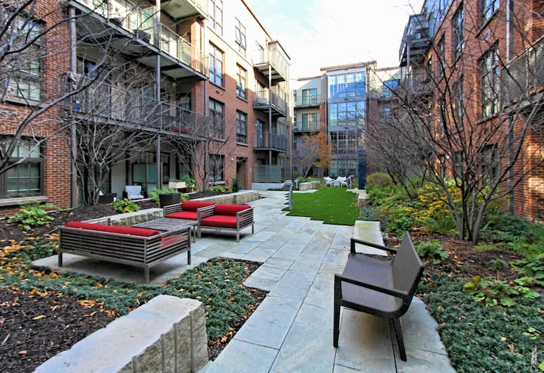 Wonderful 1BR w/ Pool + Gym South Capitol, Washington, Hotelli territoorium