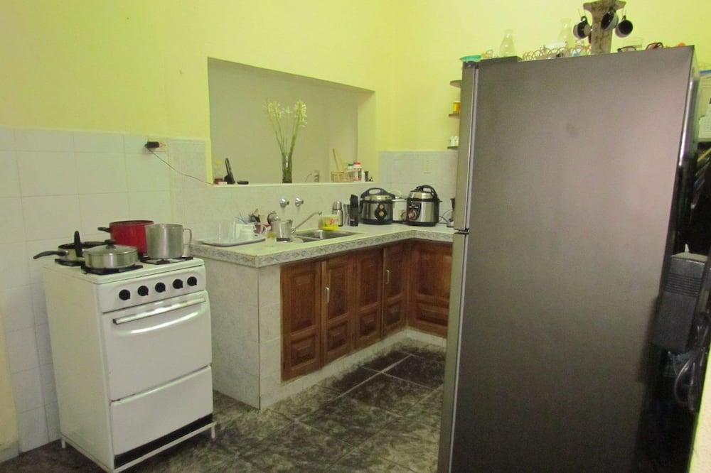 Tremannsrom – standard, flere senger, ikke-røyk - Delt kjøkken