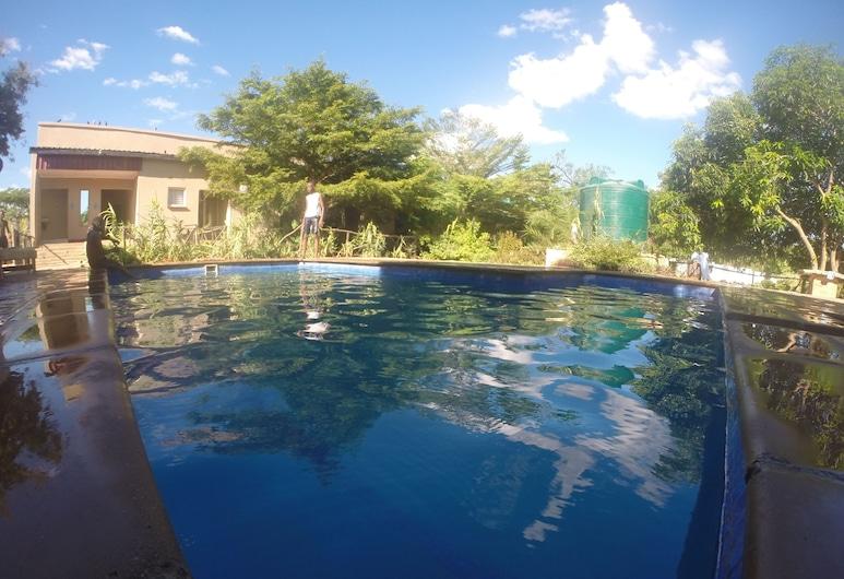 Golden Days Executive lodge, Lusaka, Outdoor Pool