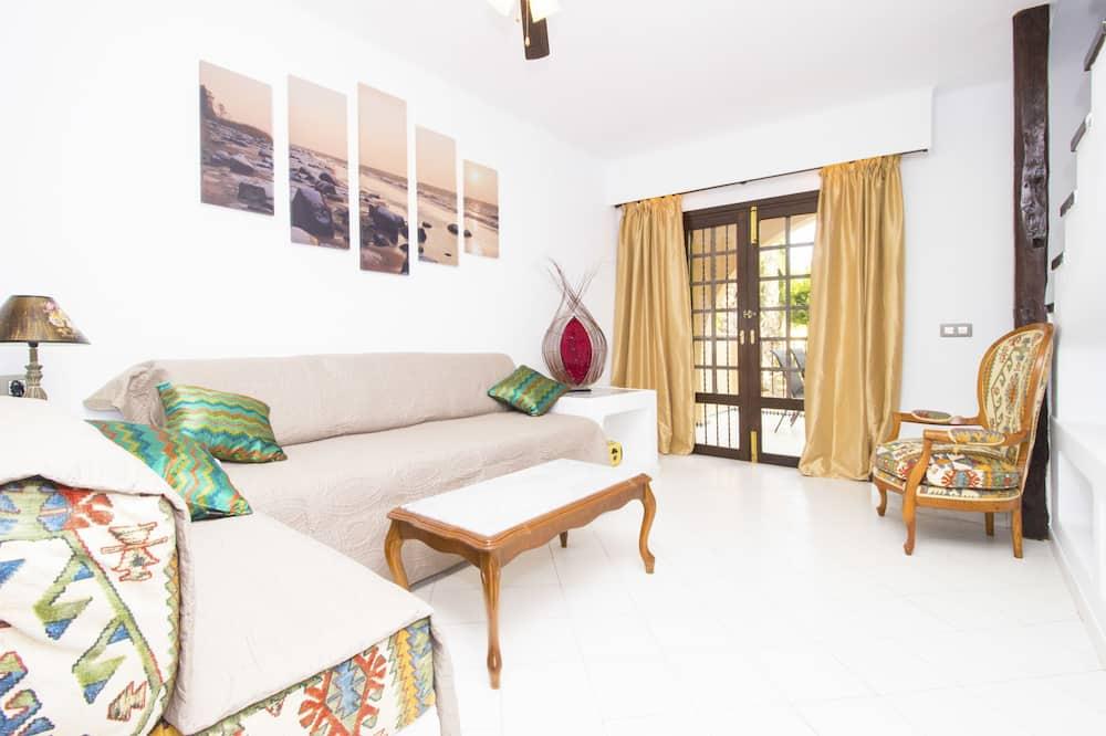 Διαμέρισμα, 2 Υπνοδωμάτια, Βεράντα - Καθιστικό