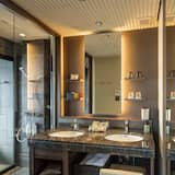 Terrace Room with Private Open-air Hot Spring Bath for 4 Guests - Bathroom Amenities