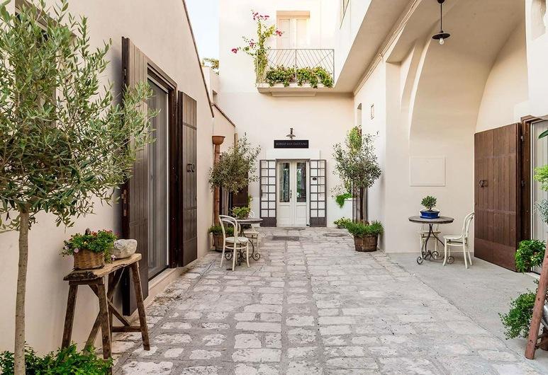 Borgo San Gaetano, Bernalda, Quintal