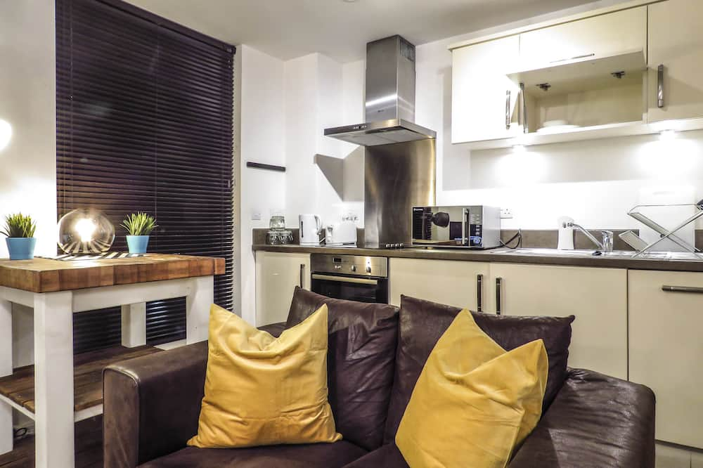 Business Apartment, 2 Bedrooms, Non Smoking - Living Area