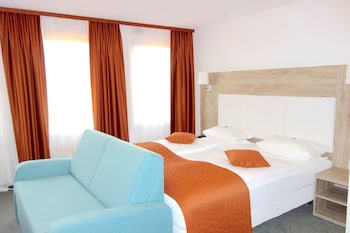 Enter your dates to get the Ludwigsburg hotel deal