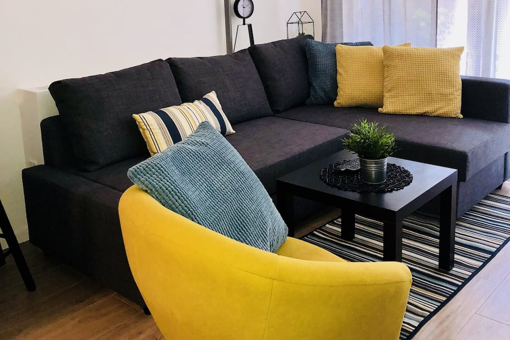 Deluxe Apartment, 1 Bedroom, Non Smoking - Living Room