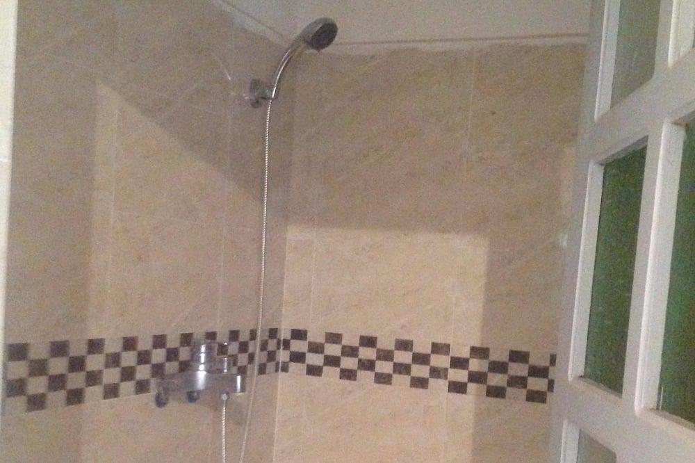 Apartmán typu Basic, 3 ložnice, kuřácký - Koupelna