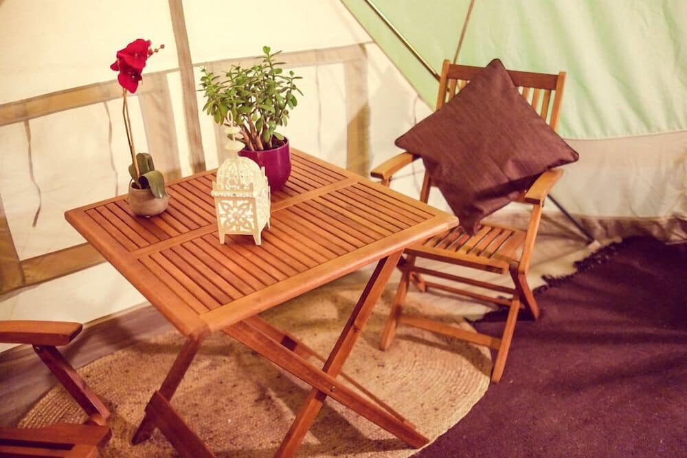 Королевская палатка, 1 двуспальная кровать, для некурящих, вид на море - Обед в номере