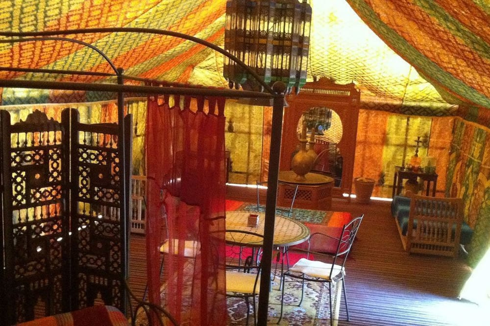 Tent (Caidale) - Living Area