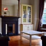 Nhà (3 Bedrooms) - Phòng khách