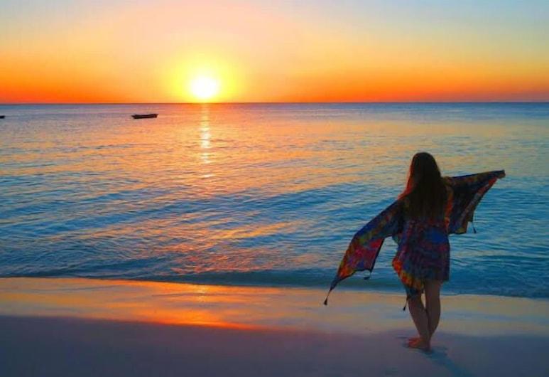 توين فيلا, أوروا, الشاطئ