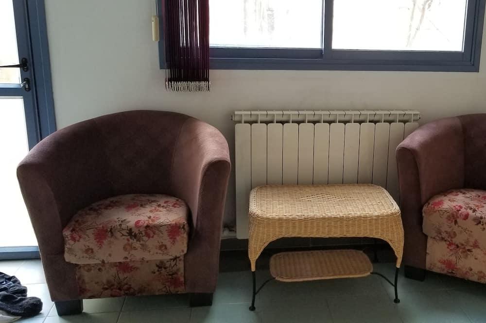 Klasikinio studijos tipo numeris, 2 viengulės lovos, vaizdas į sodą - Vakarienės kambaryje
