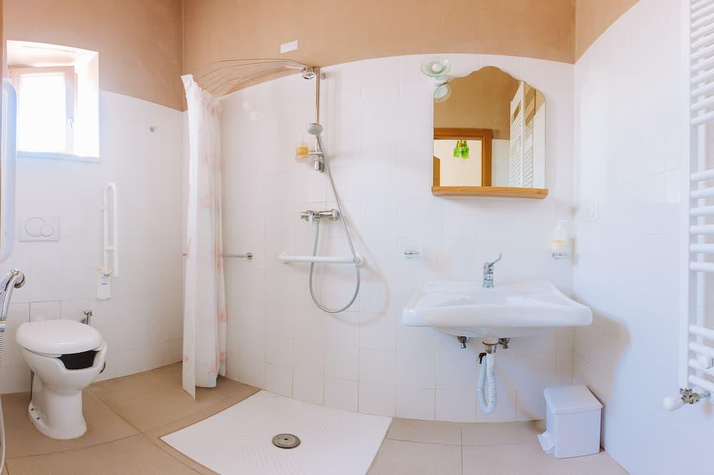 Triple Room, Garden View (Lavanda) - Bathroom