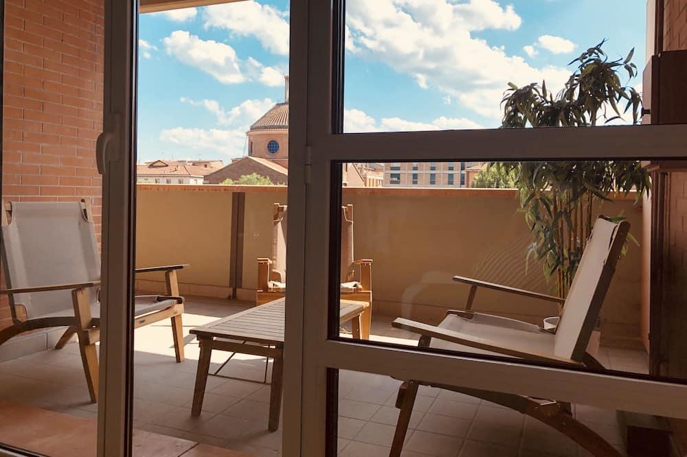 Apartamentai su patogumais, 2 miegamieji, terasa, vaizdas į miestą - Terasa / vidinis kiemas