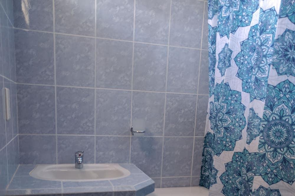 슈피리어 트리플룸, 침대(여러 개) - 욕실