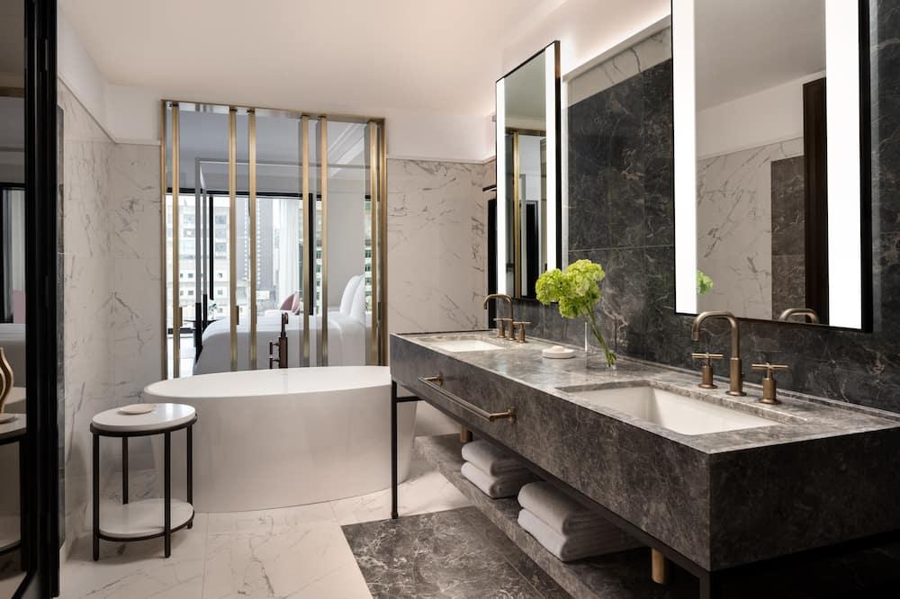 Four Seasons, Executive Suite, 1 King Bed, Non Smoking - Bathroom